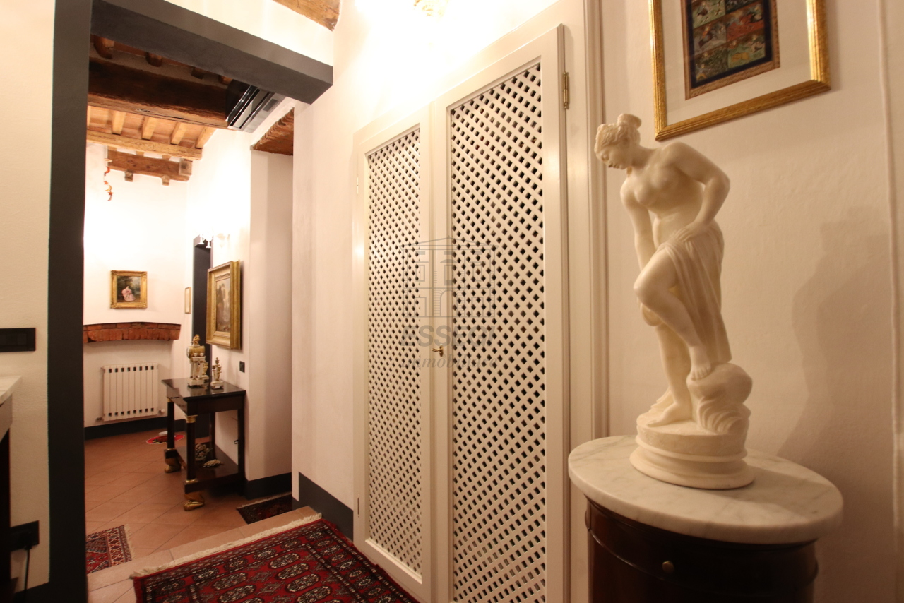 Appartamento Lucca Centro storico IA03524 img 6