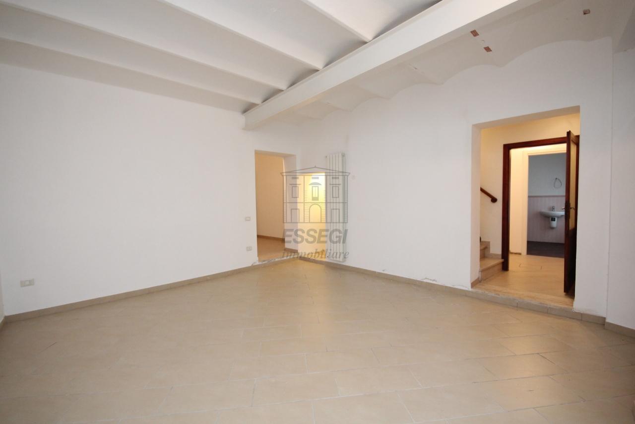 Appartamento Lucca Centro storico IA03397-bis img 2