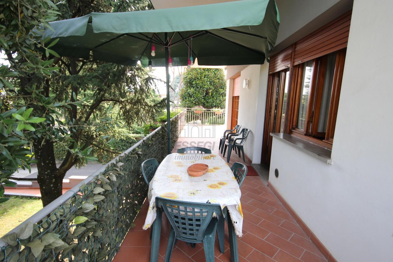 Villa divisa in due unità Capannori Lunata IA01745 img 12
