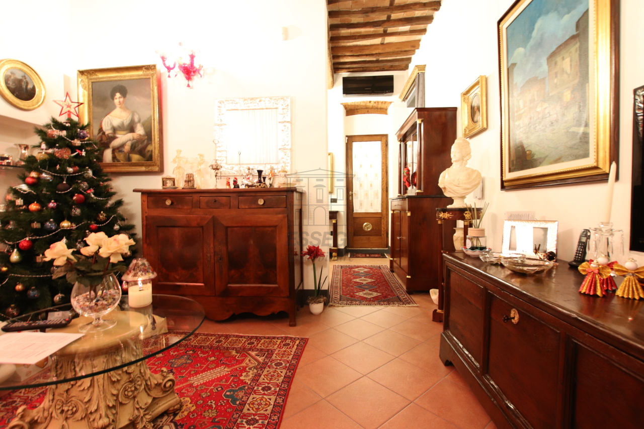 Appartamento Lucca Centro storico IA03524 img 4