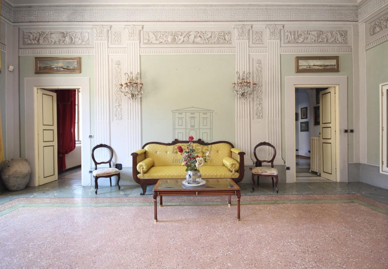 Appartamento Lucca Centro storico IA03358 img 2