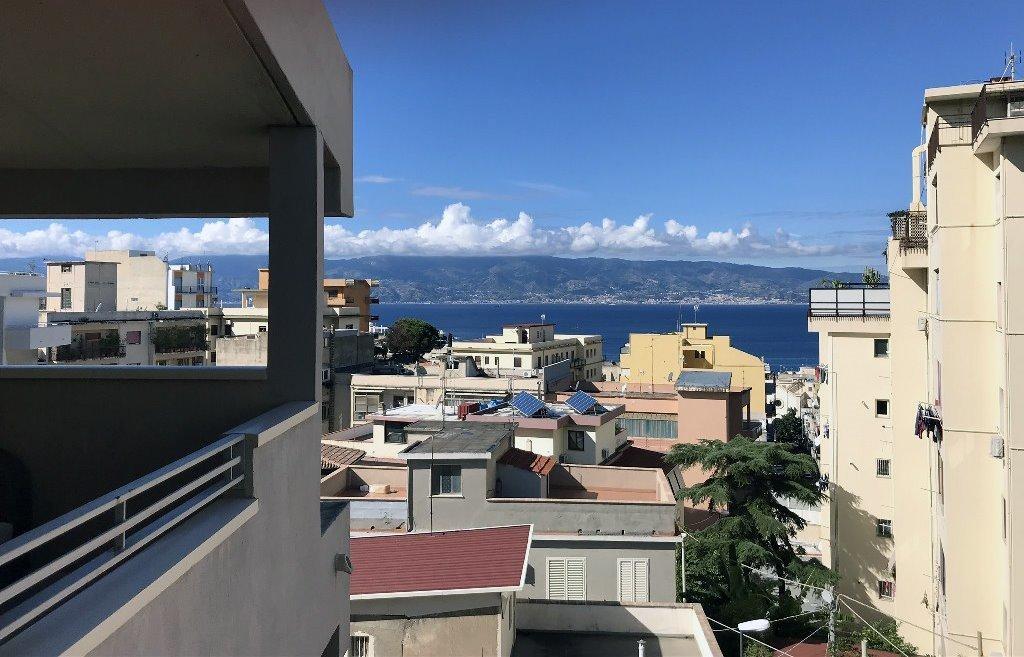 Appartamento in affitto a Reggio Calabria, 2 locali, prezzo € 650 | CambioCasa.it
