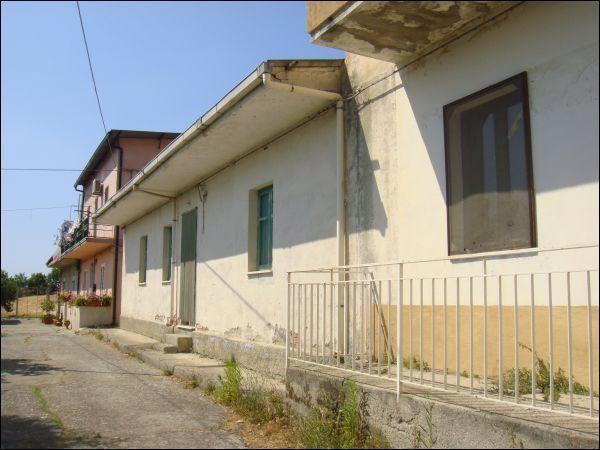 Appartamento in vendita a Condofuri, 3 locali, prezzo € 13.000 | CambioCasa.it