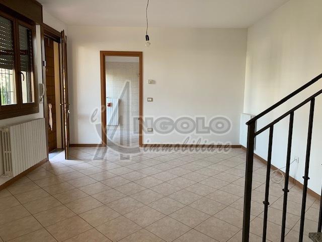 Appartamento in affitto a Occhiobello, 4 locali, prezzo € 470 | CambioCasa.it