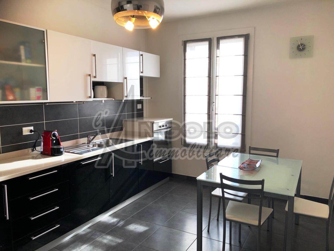 Appartamento in vendita a Stienta, 5 locali, prezzo € 115.000 | CambioCasa.it