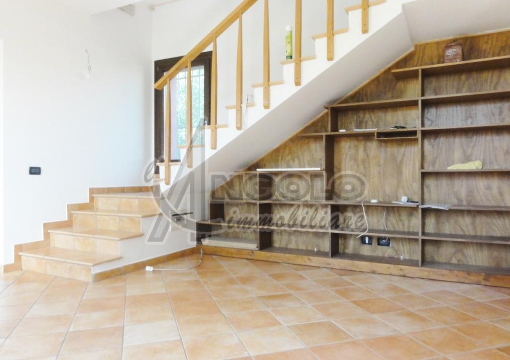 Casa Indipendente in ottime condizioni in vendita Rif. 6916011