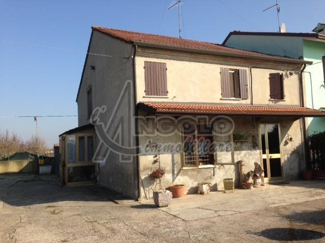 Soluzione Indipendente in vendita a Stienta, 7 locali, prezzo € 65.000 | CambioCasa.it