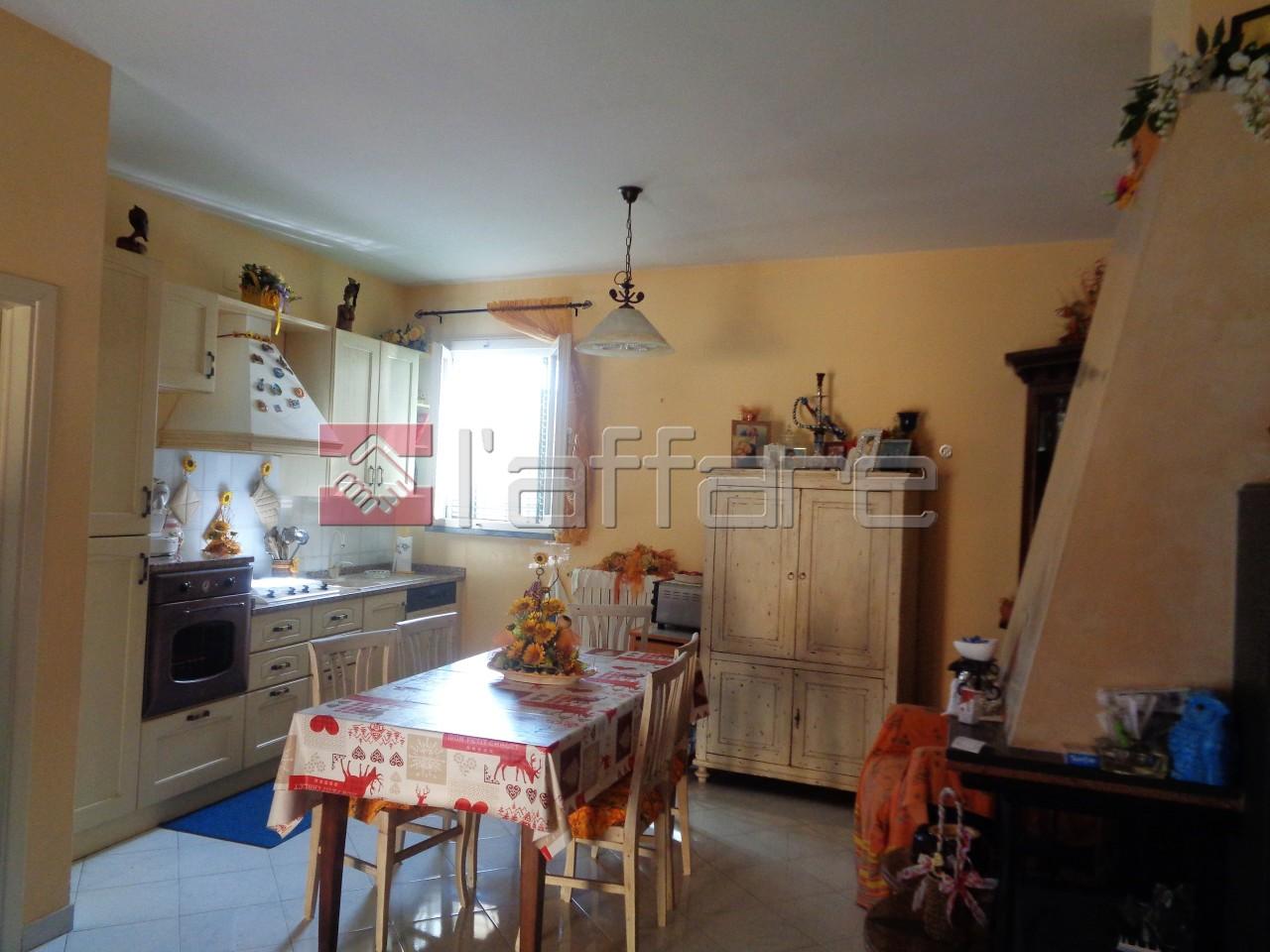 Appartamento in buone condizioni in affitto Rif. 7557368