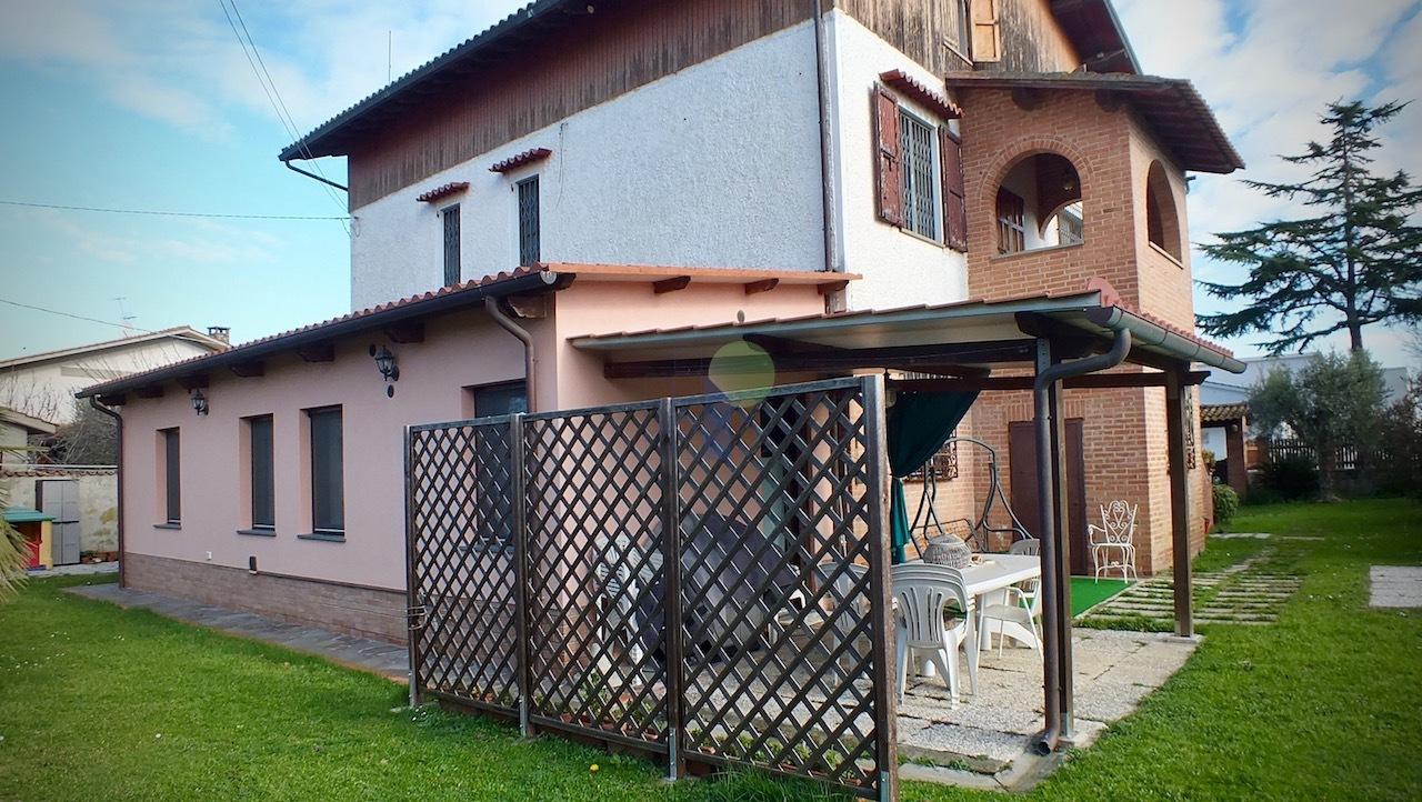 Villa in ottime condizioni in vendita Rif. 4146765