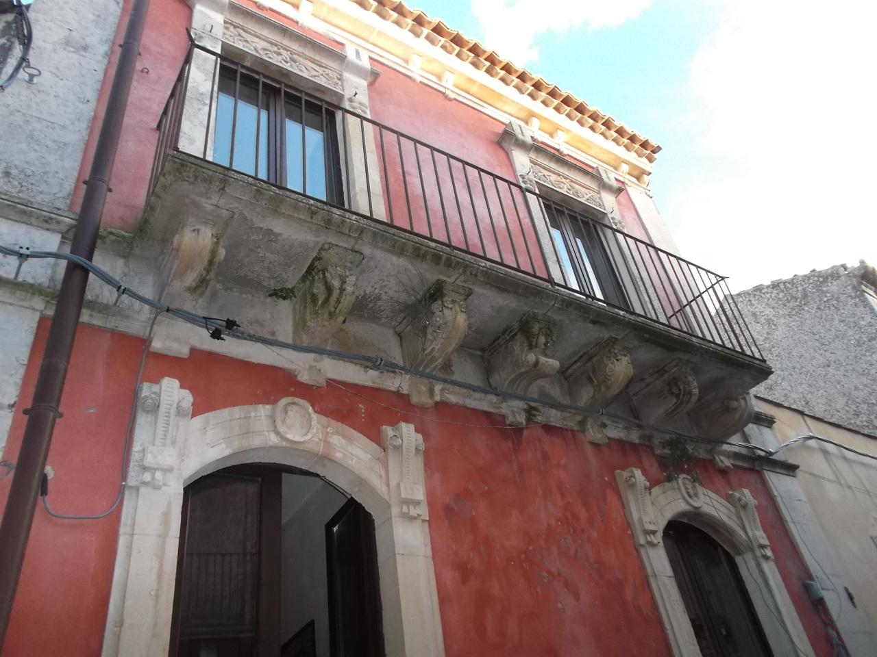 Casa Indipendente ristrutturato in vendita Rif. 4166237