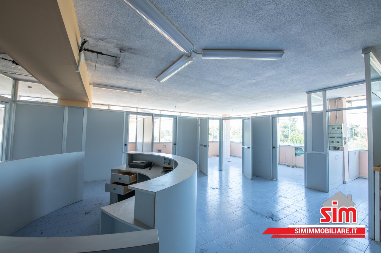 Ufficio / Studio in vendita a Vercelli, 2 locali, prezzo € 115.000   PortaleAgenzieImmobiliari.it