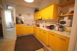 Appartamento in Vendita a Lucca, zona Centro Storico, 250'000€, 75 m²