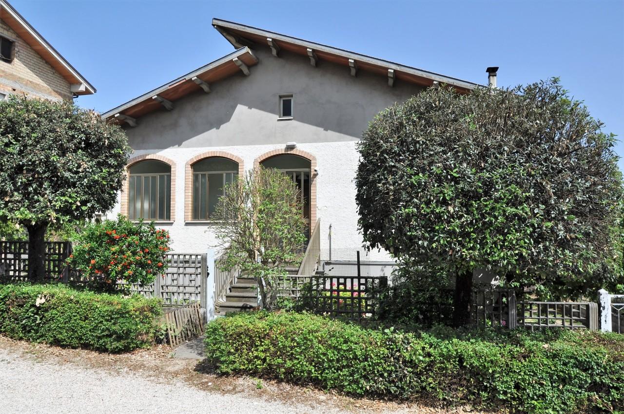 Casa indipendente - Casa singola a Via Pescarina, Spoltore