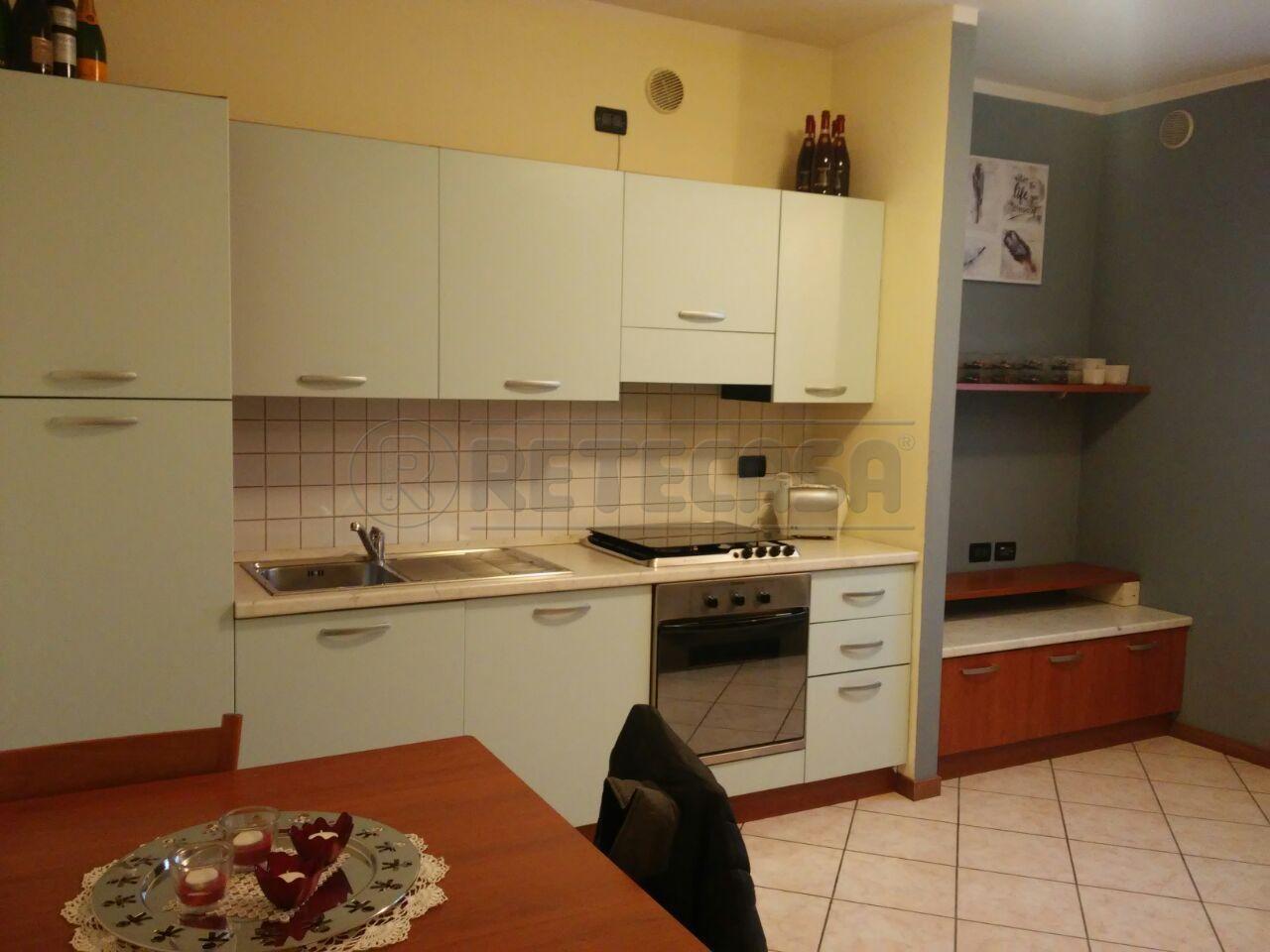 Appartamento in vendita a Grumello del Monte, 2 locali, prezzo € 93.000 | CambioCasa.it