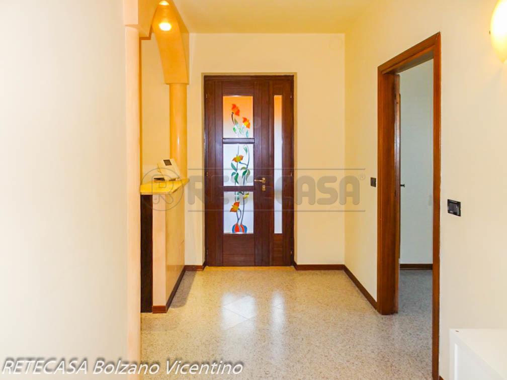 Casa Indipendente in buone condizioni in affitto Rif. 10985352