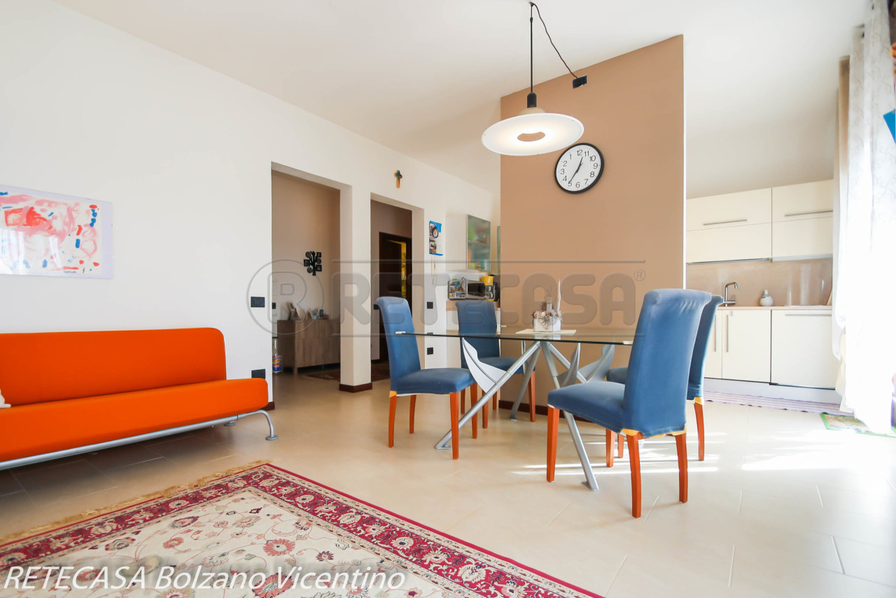Appartamento in vendita a Bressanvido, 6 locali, prezzo € 115.000 | CambioCasa.it