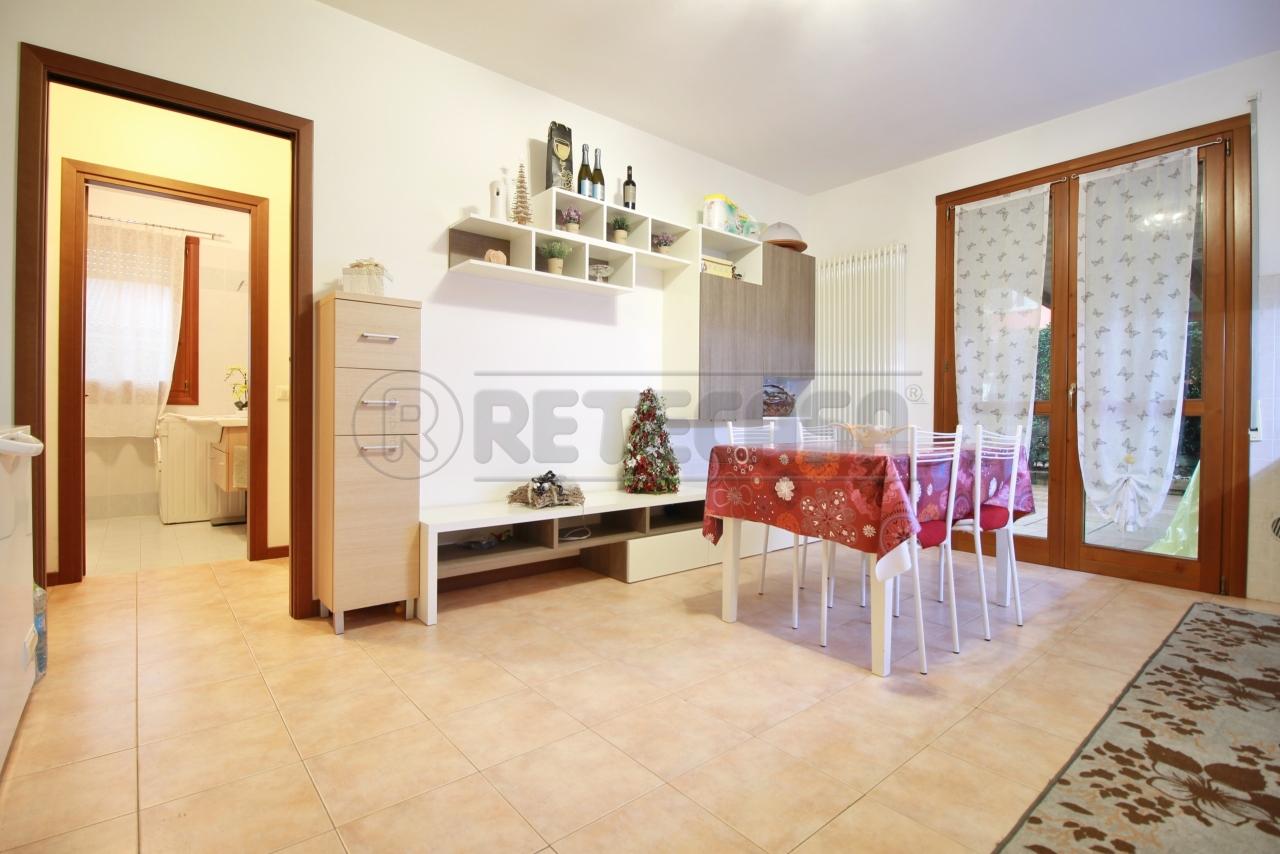 Appartamento in vendita a Zermeghedo, 2 locali, prezzo € 95.000 | CambioCasa.it