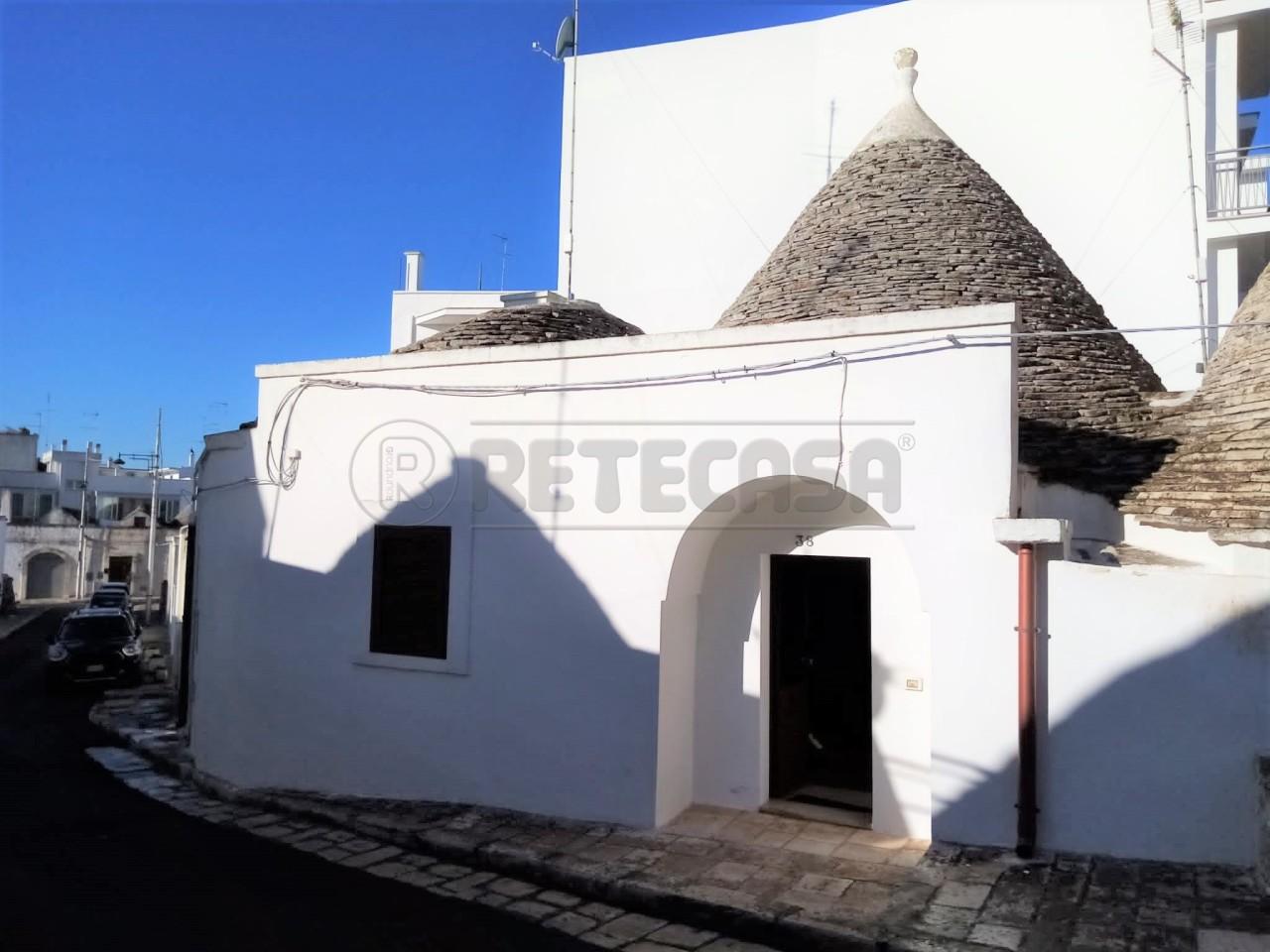 Soluzione Indipendente in vendita a Alberobello, 4 locali, prezzo € 210.000   CambioCasa.it