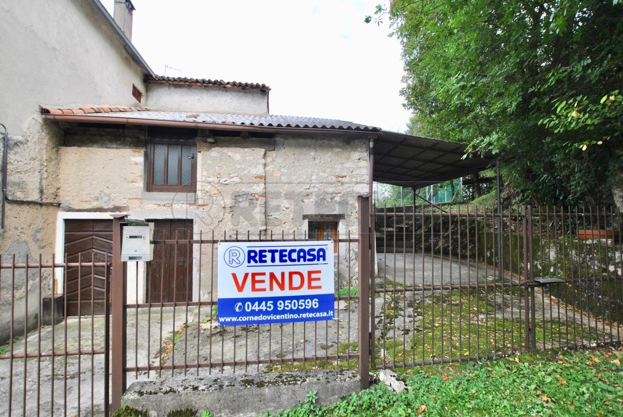 Rustico / Casale in discrete condizioni in vendita Rif. 12393429