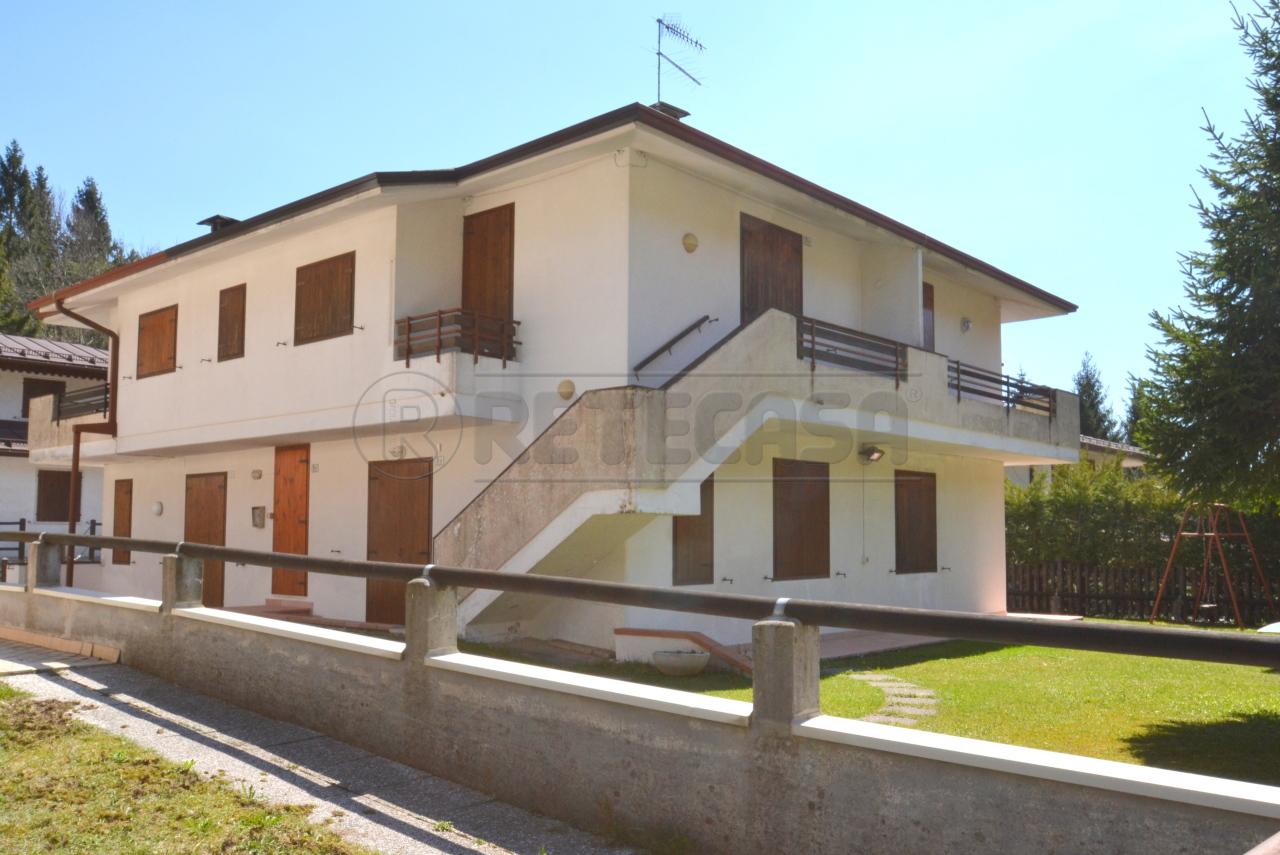 Appartamento in buone condizioni in vendita Rif. 10115851