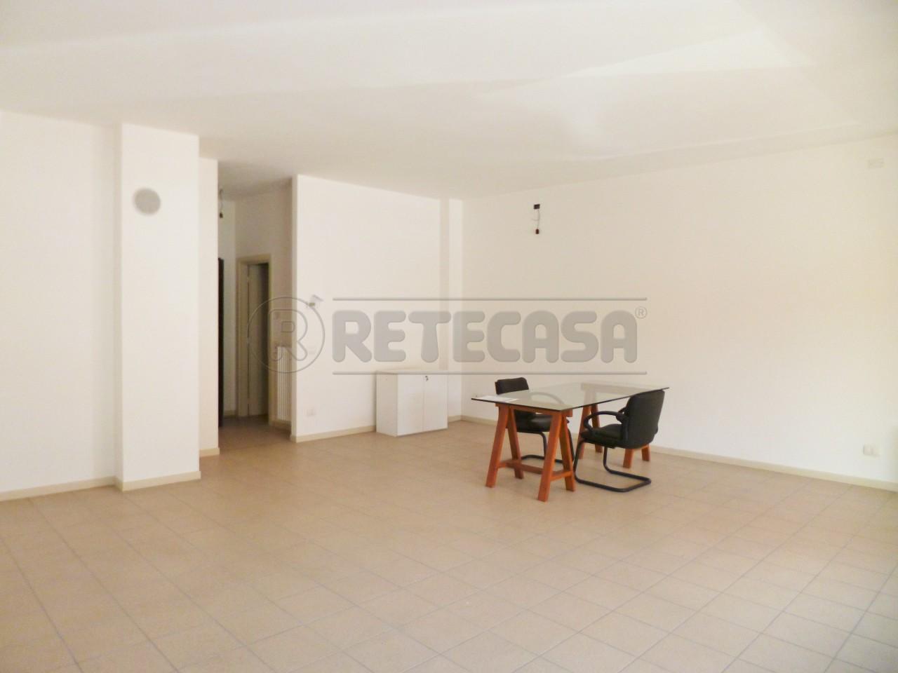 Negozio / Locale in vendita a Chiampo, 9999 locali, prezzo € 100.000 | CambioCasa.it