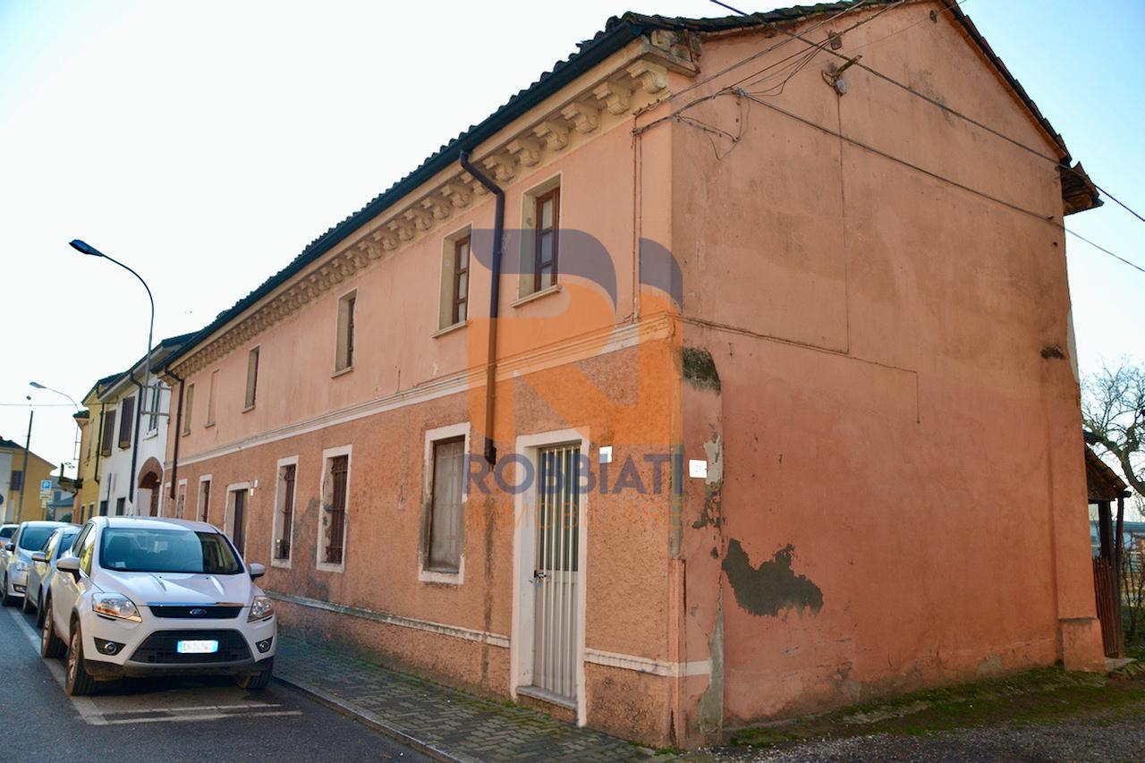 Villa a Schiera in vendita a Villanova d'Ardenghi, 7 locali, prezzo € 70.000   PortaleAgenzieImmobiliari.it