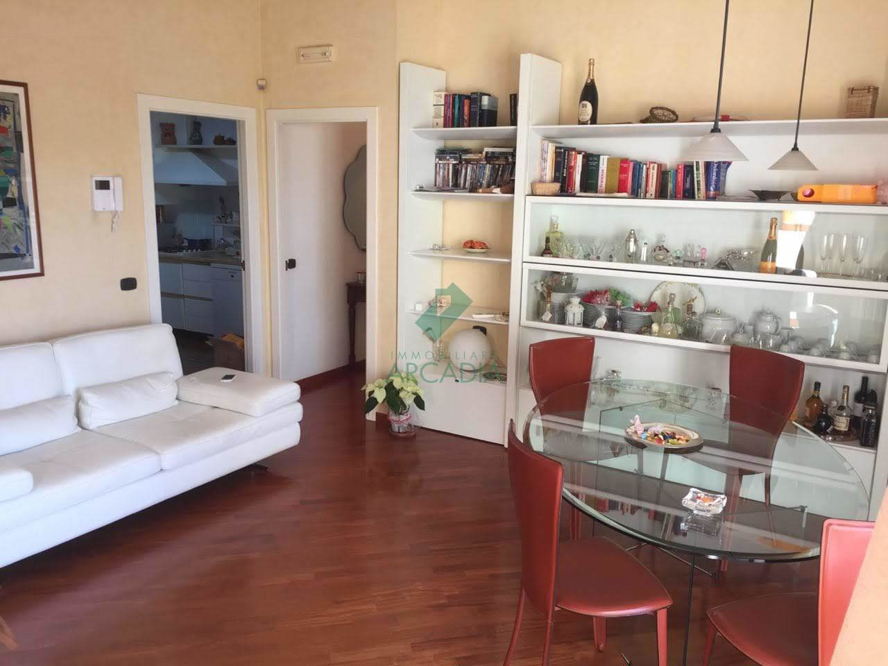 Attico / Mansarda in vendita a Bari, 4 locali, prezzo € 280.000   CambioCasa.it