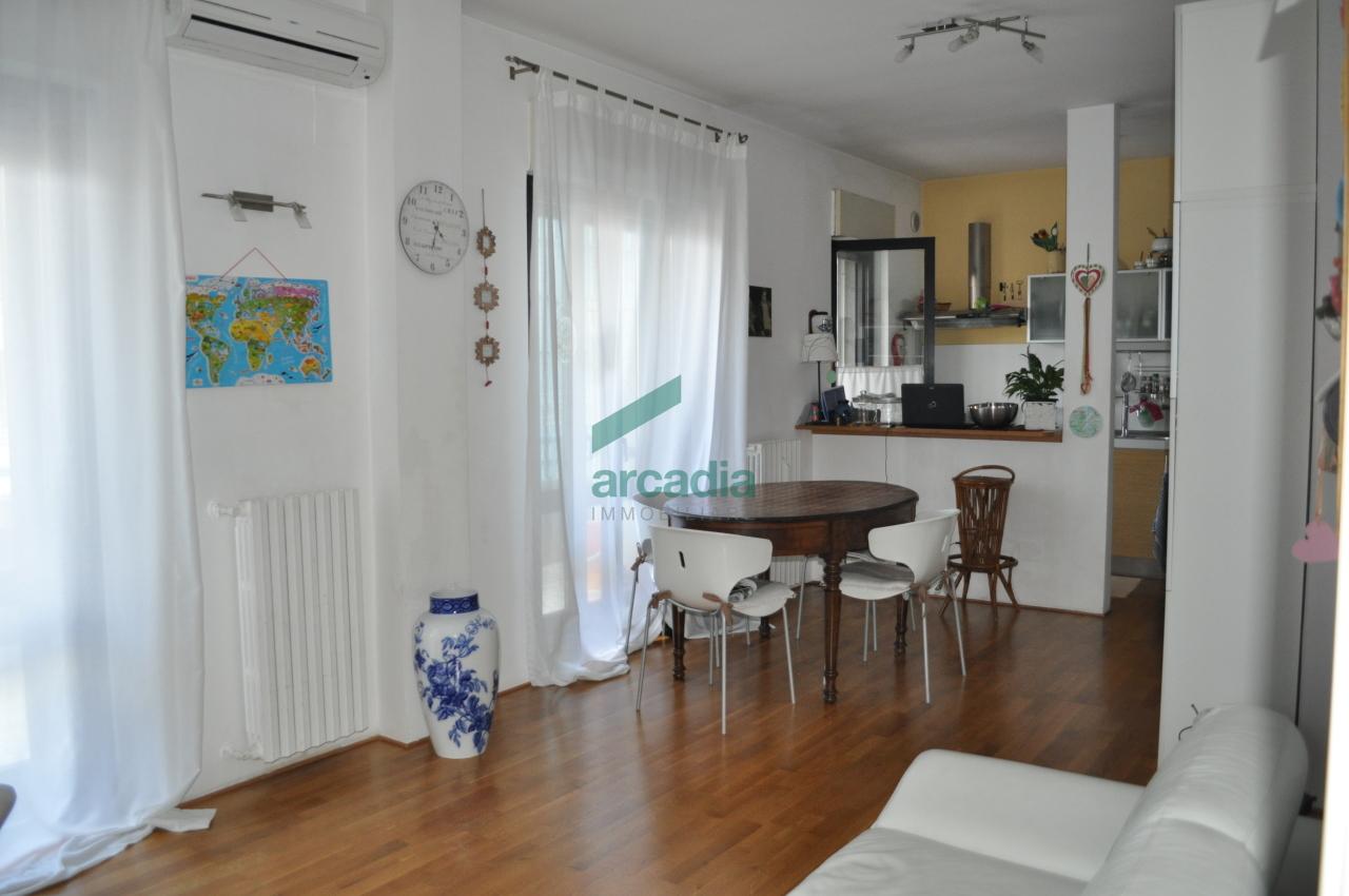 Appartamento in vendita a Bari, 2 locali, prezzo € 159.000 | CambioCasa.it