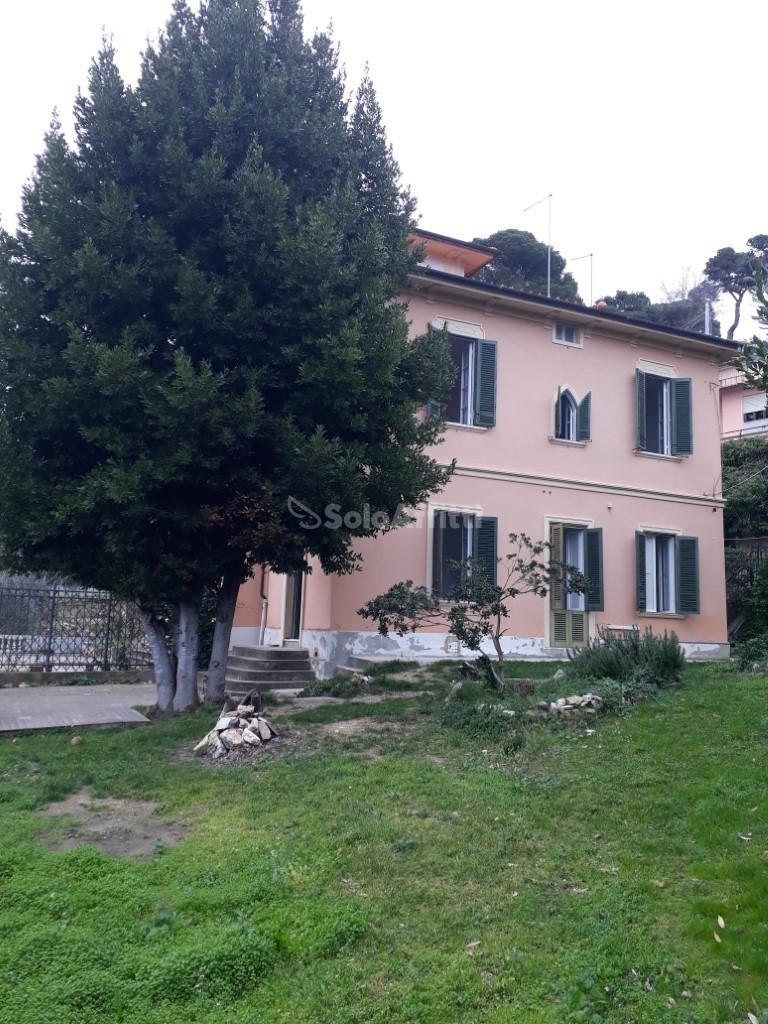 Casa Indipendente in buone condizioni in affitto Rif. 9629723