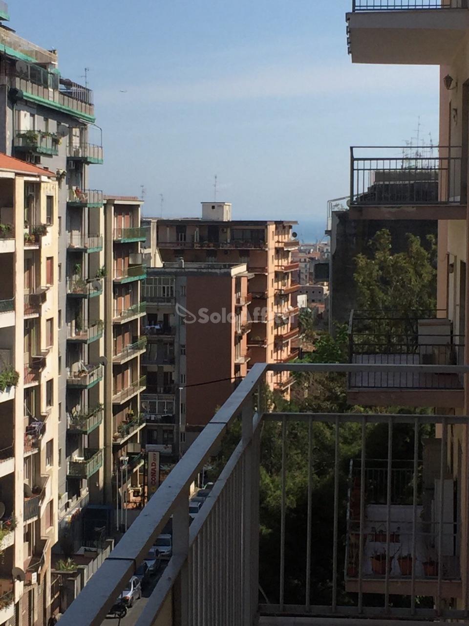 Appartamento - 7 locali a Via Caronda, Catania