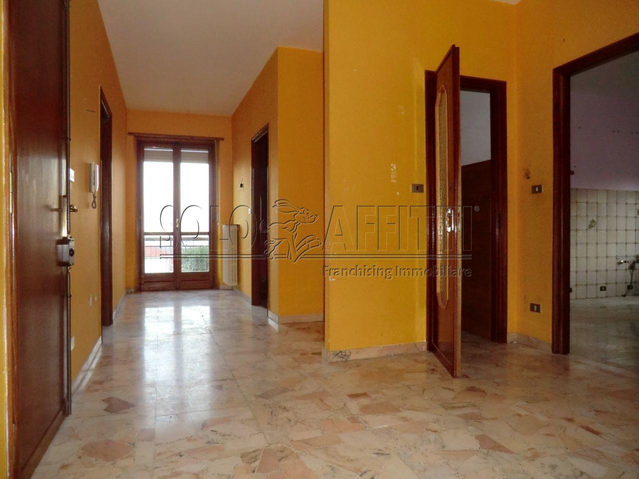 Quadrilocale in buone condizioni in affitto Rif. 7702934