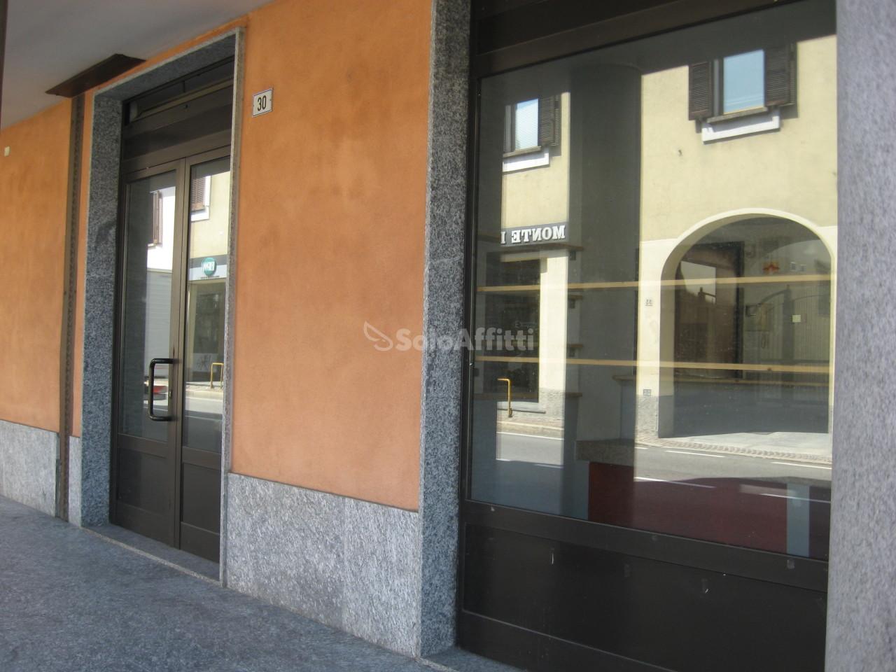 Fondo/negozio - 2 vetrine/luci a Centro Storico, Cassina de' Pecchi Rif. 6326140