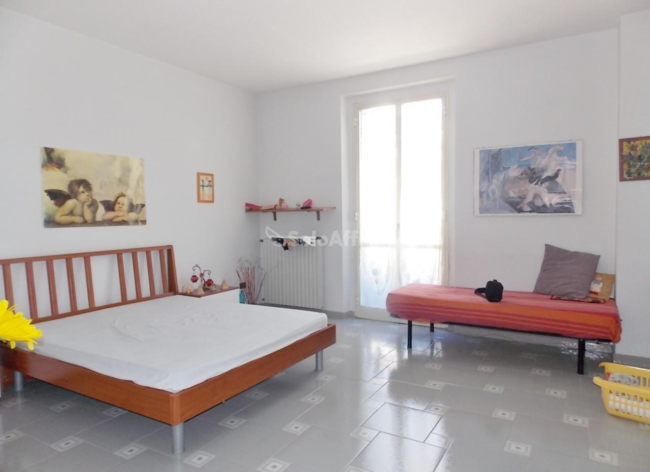 Stanza / posto letto in buone condizioni arredato in affitto Rif. 9135538