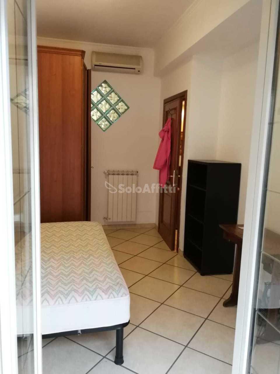 Stanza / posto letto in buone condizioni arredato in affitto Rif. 9841302