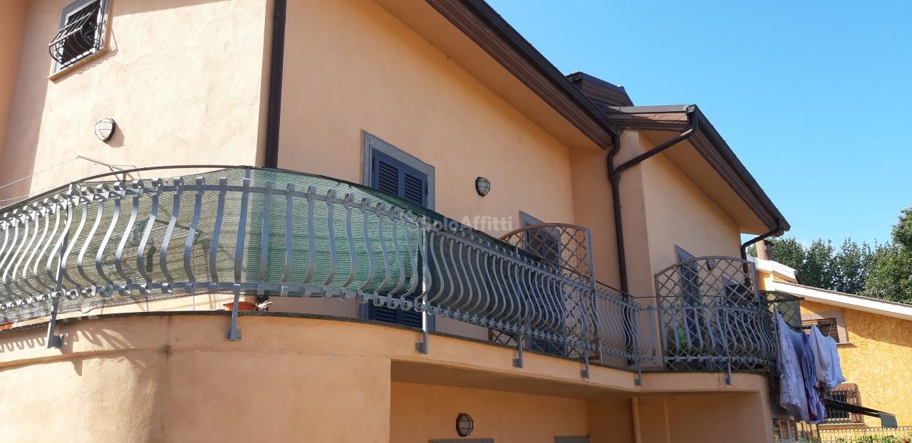 Bilocale in buone condizioni in affitto Rif. 11149342