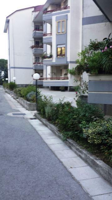 Stanza / posto letto in buone condizioni arredato in affitto Rif. 12177975