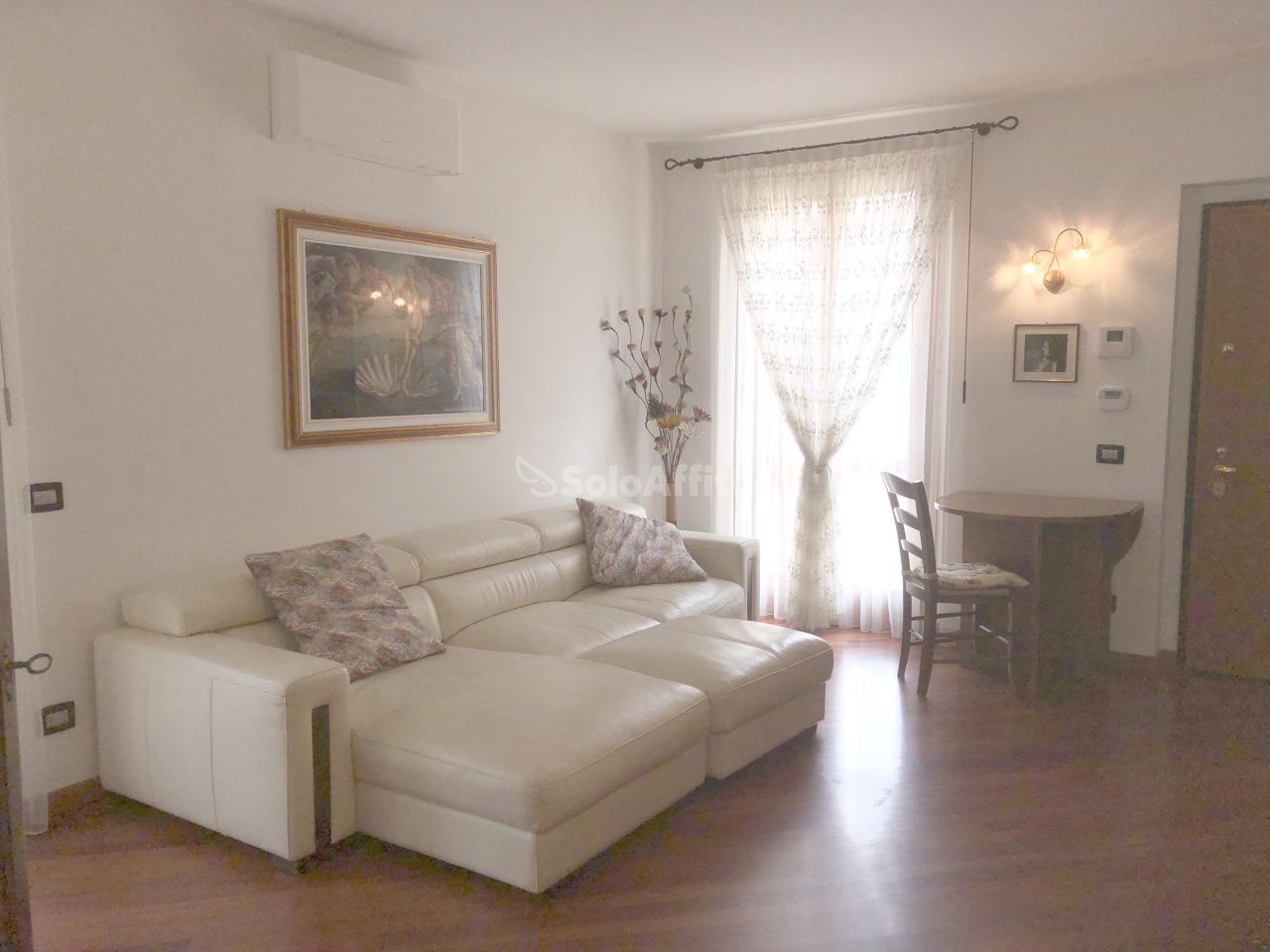 Appartamento in affitto a Calusco d'Adda, 2 locali, Trattative riservate | PortaleAgenzieImmobiliari.it