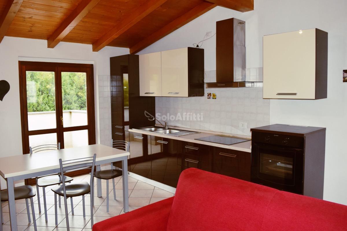 Appartamento in affitto a Cabiate, 2 locali, prezzo € 520 | PortaleAgenzieImmobiliari.it
