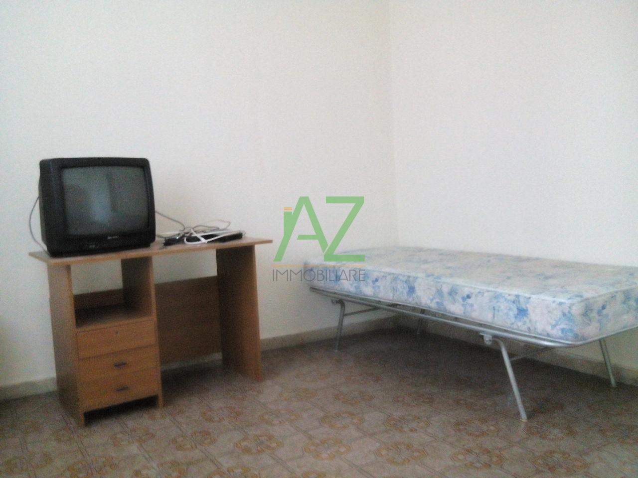 Appartamento in buone condizioni arredato in affitto Rif. 9135703