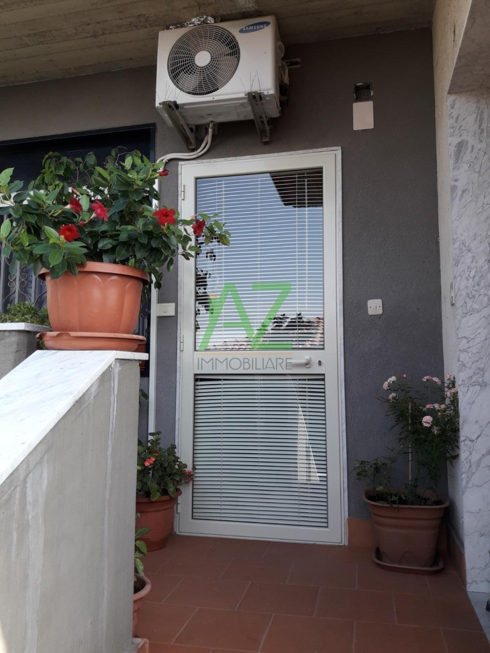 Appartamento in buone condizioni in vendita Rif. 10223354