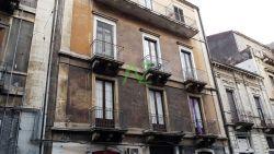 Quadrilocale in Vendita a Catania, zona Centro citt?, 270'000€, 110 m², con Box