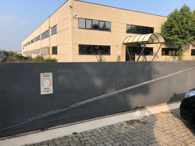 Capannone / Fondo - Industriale/Artigianale a Parma Città Nord, Parma Rif. 11316390