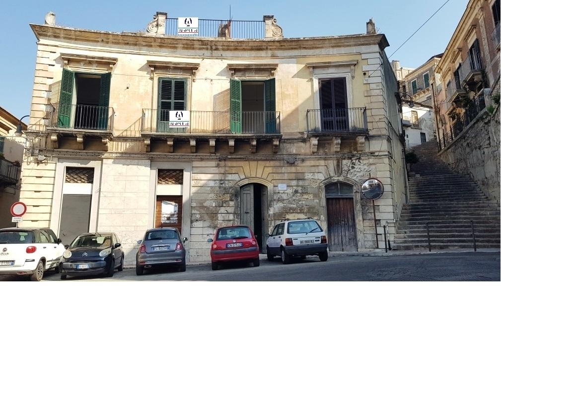 Appartamento in vendita a Modica, 10 locali, prezzo € 170.000 | PortaleAgenzieImmobiliari.it