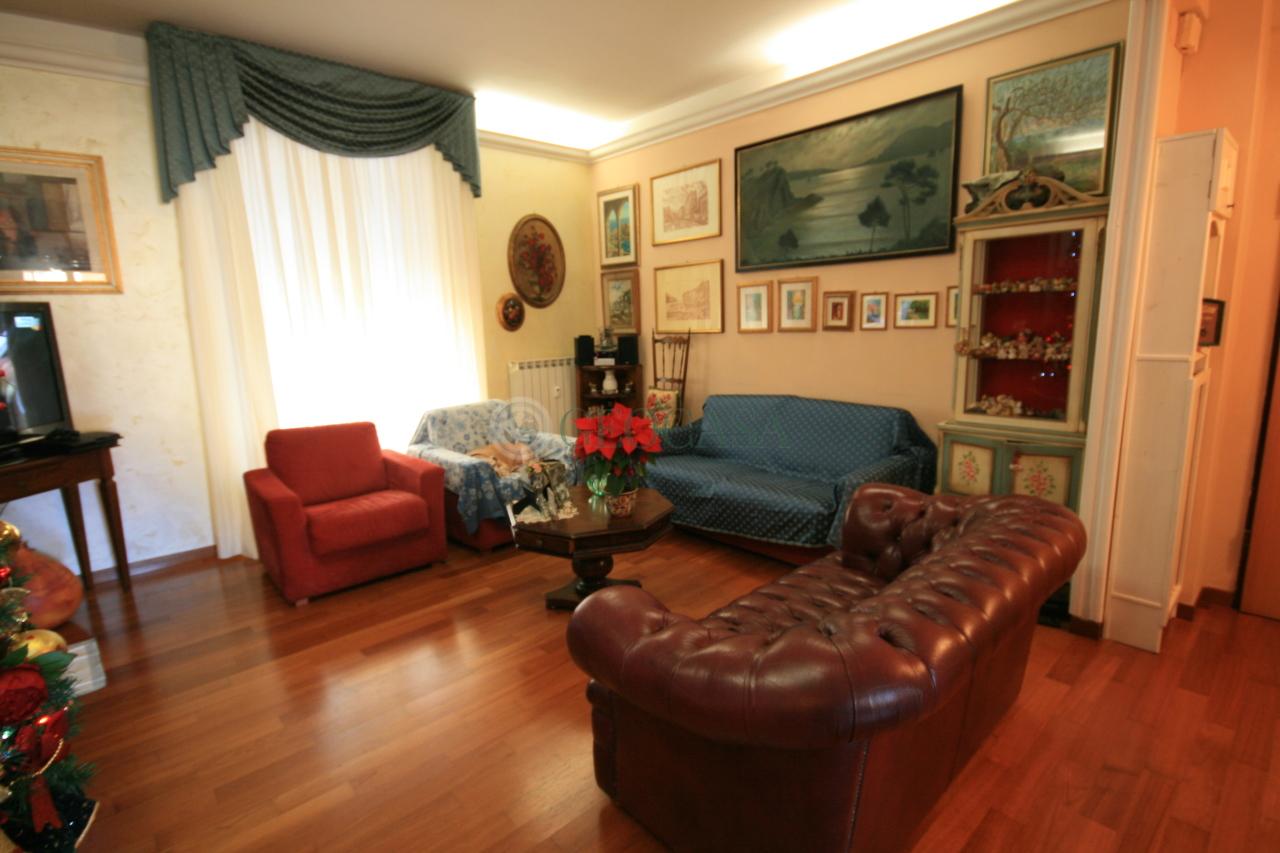 Appartamento in vendita a La Spezia, 5 locali, prezzo € 200.000   CambioCasa.it
