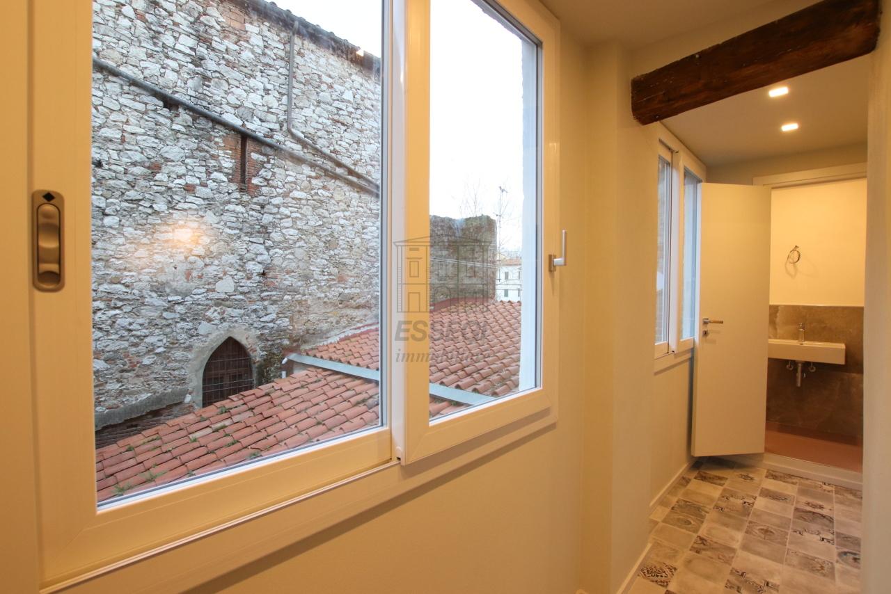 Appartamento Lucca Centro storico IA03520 img 19