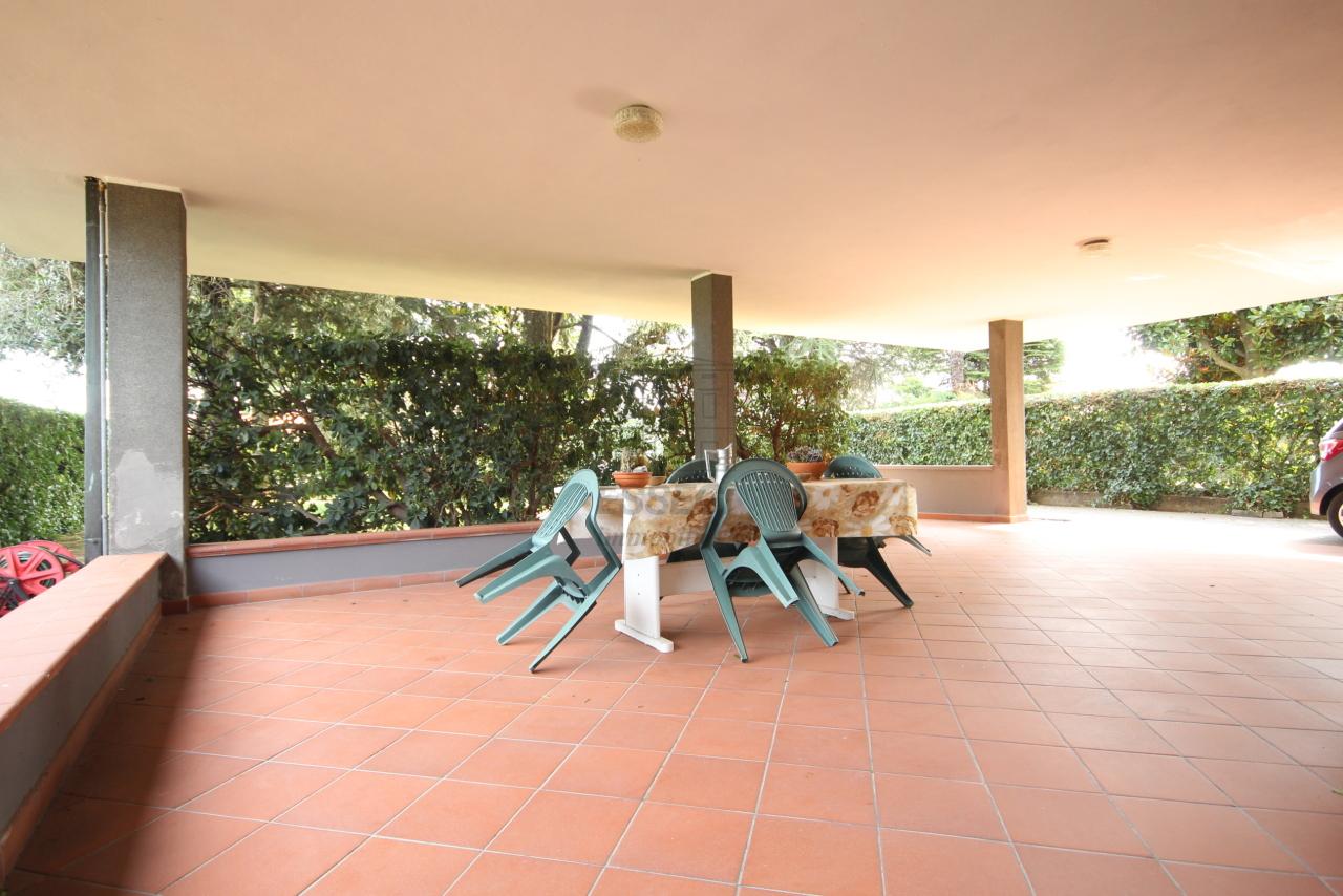 Villa divisa in due unità Capannori Lunata IA01745 img 3