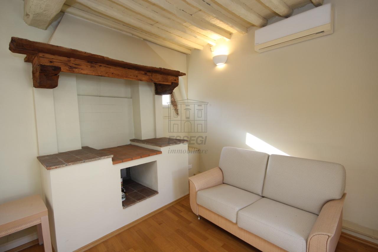 Appartamento Lucca Centro storico IA00611 img 3