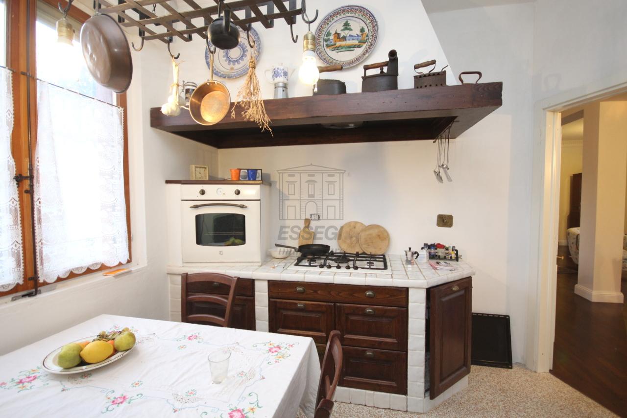 Appartamento Lucca S. Anna IA01308 img 6