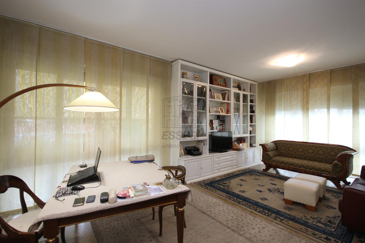 Villa divisa in due unità Lucca S. Anna IA03423 img 7