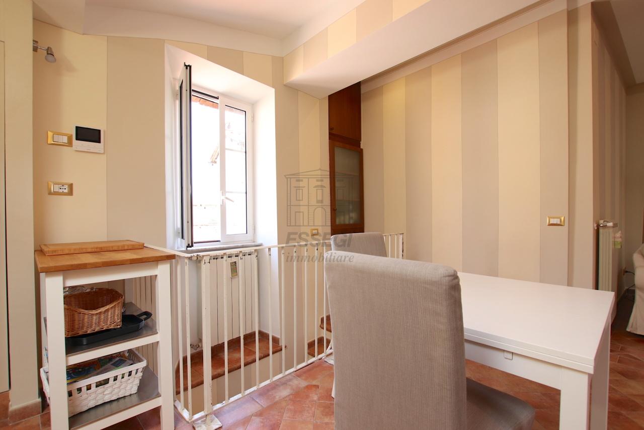 Appartamento Lucca Centro storico IA03545 img 9
